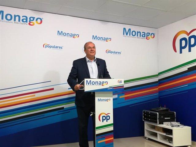 Monago en rueda de prensa para hablar sobre limitación de mandatos