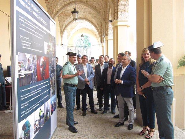 Inauguración de una exposición en Badajoz sobre los 175 años de la Guardia Civil
