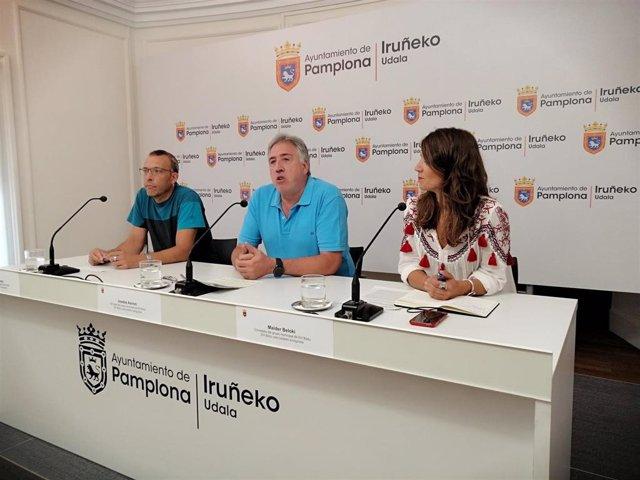 Endika Alonso, Joseba Asiron y Maider Beloki, concejales de EH Bildu en el Ayuntamiento de Pamplona