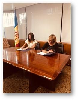 Ministra de Cultura i Esports d'Andorra, Sílvia Riva; directora de l'Institut Ramon Llull (IRL), Iolanda Vaig batallar
