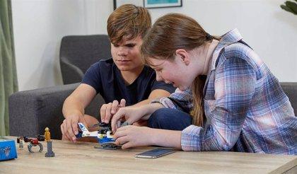 Lego hace accesible sus construcciones a personas invidentes añadiendo instrucciones en braille y audio