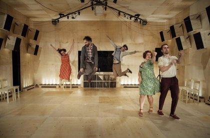 Argentina.- Pablo Messiez sube a las tablas del Kamikaze a personajes de Chéjov contra los discursos vacíos en 'Las canciones'