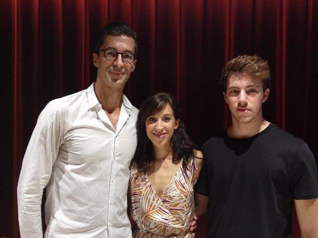 El director artístico de la Compañía Nacional de Danza, José Carlos Martínez, junto a los bailarines Cristina Casa y Ángel García Molinero