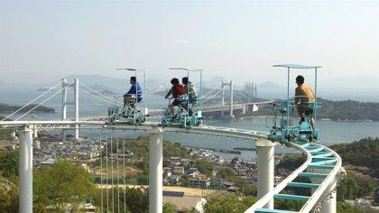 Skycycle, la montaña rusa japonesa que busca la adrenalina a pedales