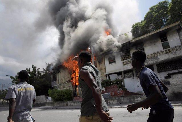 Disturbios por las protestas en Puerto Príncipe contra el presidente de Haití, Jovenel Moïse