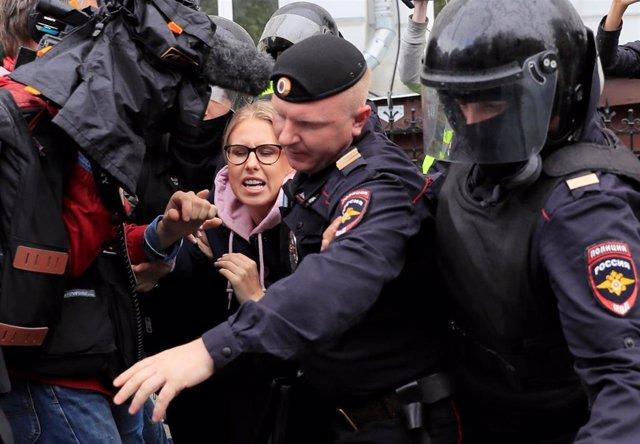 La activista opositora Liubov Sobol