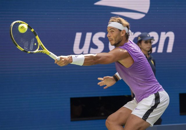 31 August 2019, US, New York: Spanish tennis player Rafael Nadal returns to South Korean Hyeon Chung during their men's singles round of 32 tennis match of the 2019 US Open Grand Slam tournament Photo: Jo Becktold/CSM via ZUMA Wire/dpa
