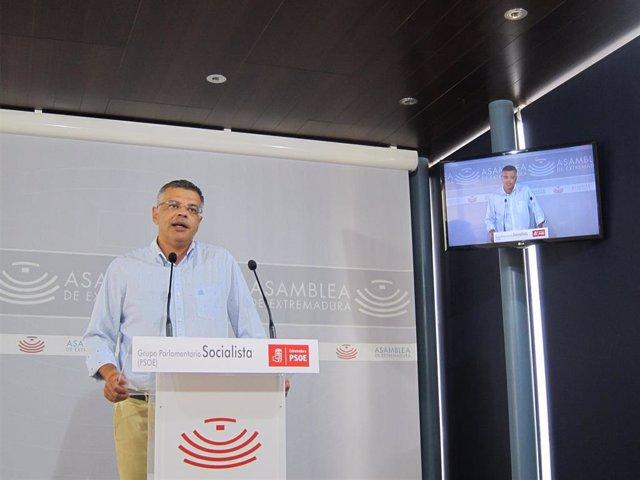 Juan Antonio González, diputado del PSOE, para valorar los datos de paro en agosto