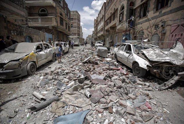 Bombardeo de la coalición saudí en Saná