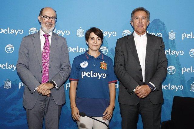 Fútbol/Selección.- La Selección Española muestra su compromiso con el Reto Pelay
