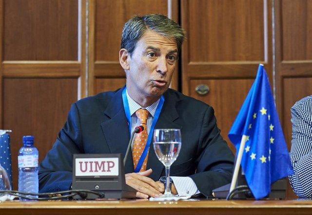 """UIMP.- Salafranca asegura que la """"gran asignatura pendiente"""" de Europa es el acu"""