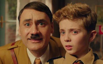 Taika Waititi muta en Hitler para destruir la Alemania Nazi en el tráiler de Jojo Rabbit