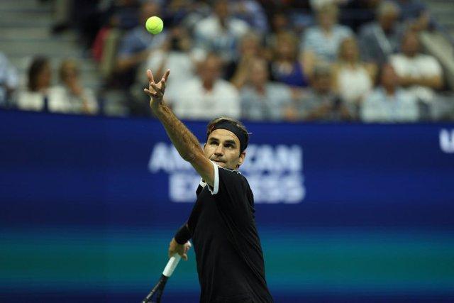 Tenis/US Open.- Federer cae ante Dimitrov y cerrará el año sin sumar ningún 'gra