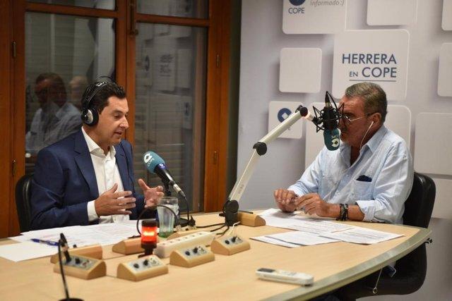 Juanma Moreno, este miércoles, durante la entrevista