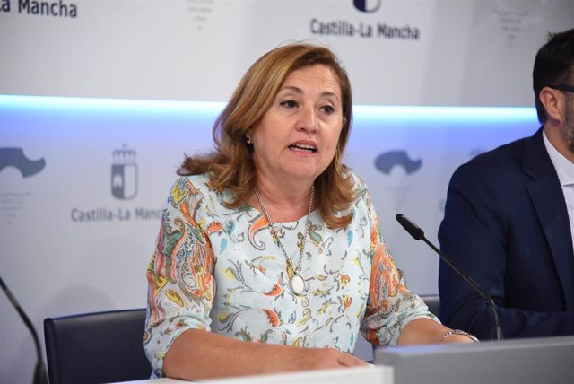 La consejera de Educación, Cultura y Deportes de C-LM, Rosa Ana Rodríguez, en rueda de prensa.