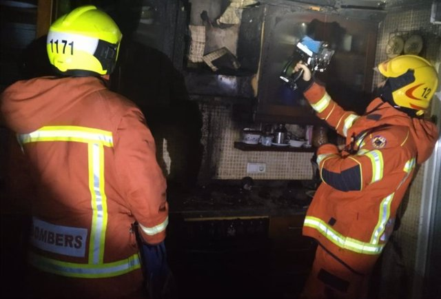 Incendio en la cocina de la vivienda en Oliva