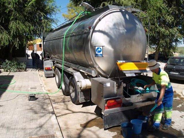 El camión cisterna en una imagen de archivo