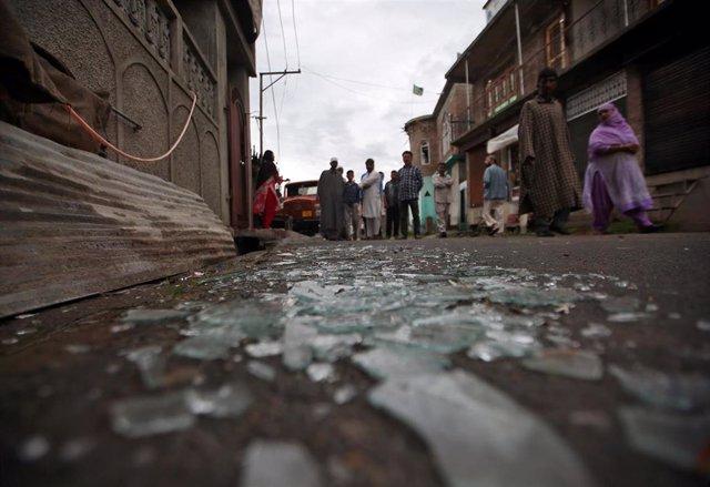 Imagen tras las protestas en Sirinagar, en la Cachemira india