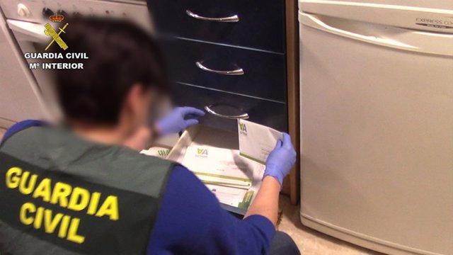 Sucesos.- Tres detenidos por estafar en Toledo y Madrid ofreciendo falsos billet