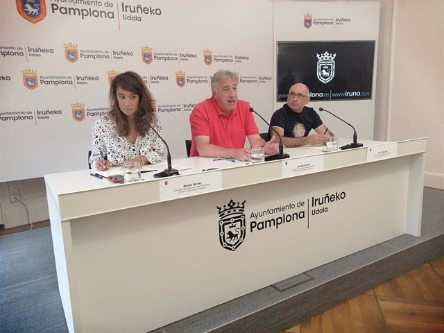 Maider Beloki, Joseba Asiron y Joxe Abaurrea, concejales de EH Bildu en el Ayuntamiento de Pamplona