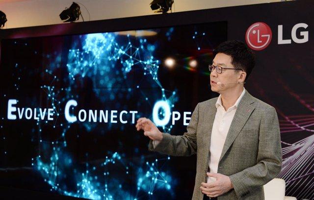 LG presenta en IFA su hogar más inteligente, que incluye control por voz y mejor