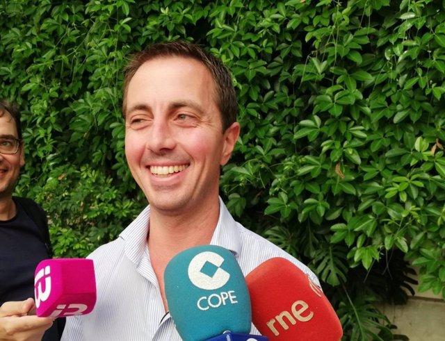 El portavoz del PP en el Consell de Mallorca, Llorenç Galmés, en declaraciones a los medios.