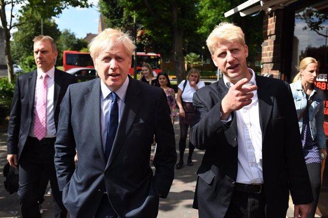 Boris Johnson y su hermano, Jo Johnson
