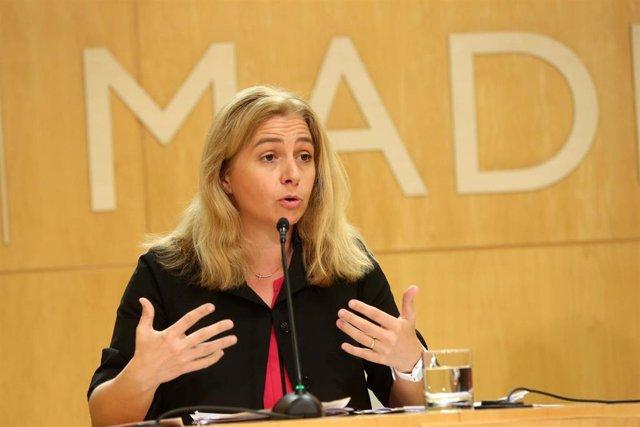 La portavoz del Ayuntamiento de Madrid, Inmaculada Sanz, atiende a los medios de comunicación en rueda de prensa.