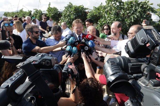 Puig atiende a los medios en Agost