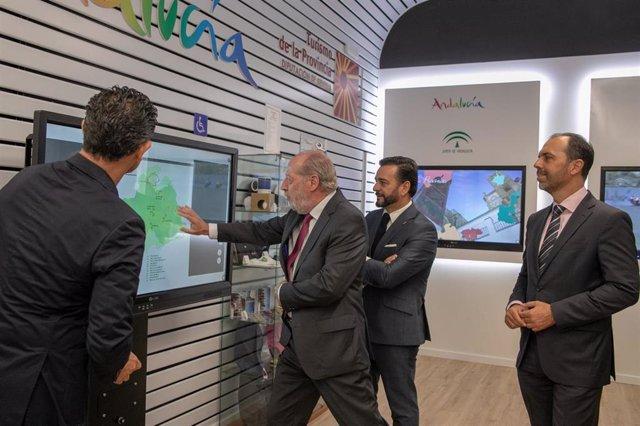 Inauguración de la remodelada Oficina de Información Turística Provincial en Sevilla