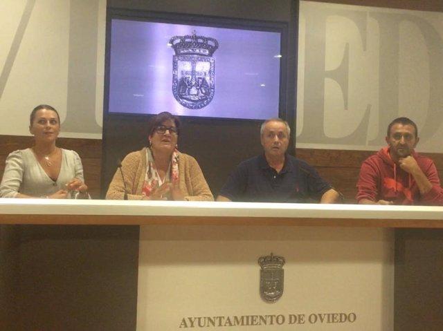 Representantes del comité de empresa del Ayuntamiento de Oviedo sobre la situación de las educadoras de las escuelas de 0 a 3 años