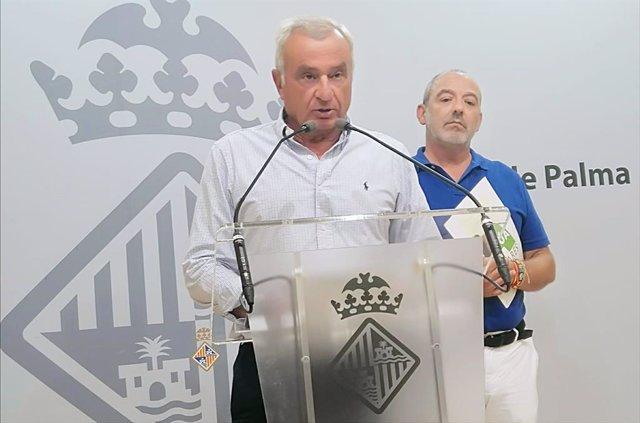 El portavoz de Vox en el Ayuntamiento de Palma, Fulgencio Coll, y el regidor Sergio Rodríguez.