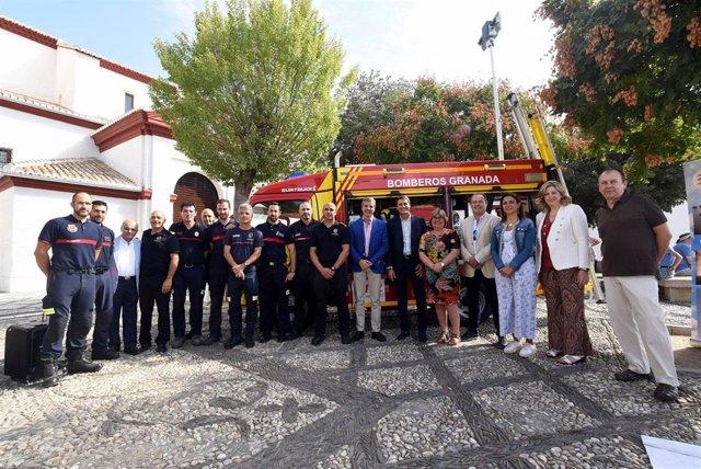 Presentación de vehículos de bomberos en Granada