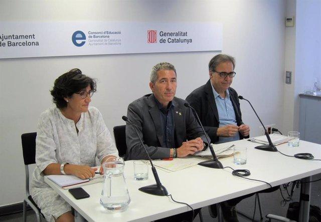 Mercè Massa, Josep Gonzàlez-Cambray y Joan Subirats