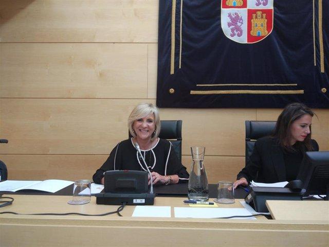 La consejera de Sanidad, Verónica Casado, comparece en las Cortes.