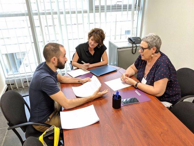 La diputada, María Giménez y la secretaria de Feminismos, Igualdad LGTBI, Concha García Altares se han reunido este jueves con el colectivo Galactyco