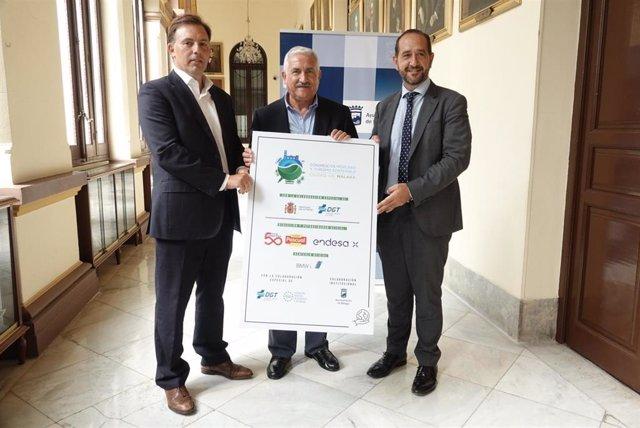 El concejal de Movilidad, José del Río, presenta la IV Edición del Congreso de Movilidad y Turismo Sostenible.