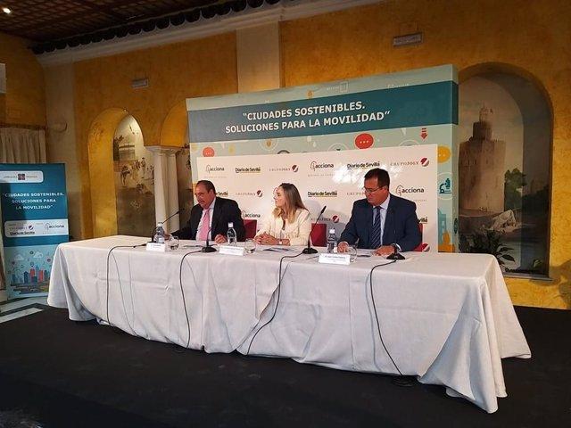 Marifrán Carazo y Juan Carlos Cabrera, en la Jornada 'Ciudades sostenibles. Soluciones para la movilidad'