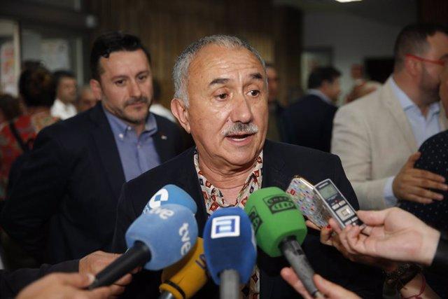 El secretario general de UGT, José María Álvarez, en el acto de entrega de los Premios Primero de Mayo en la Sede de UGT en Oviedo (Asturias)