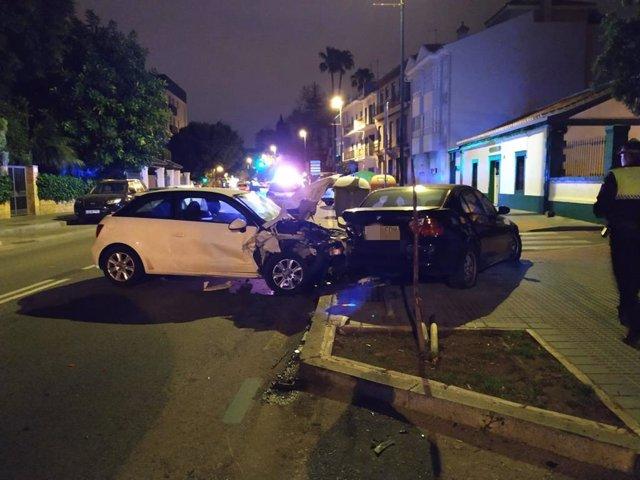 Coche accidentado accidente tráfico málaga ciudad coche robado se empotra con otro