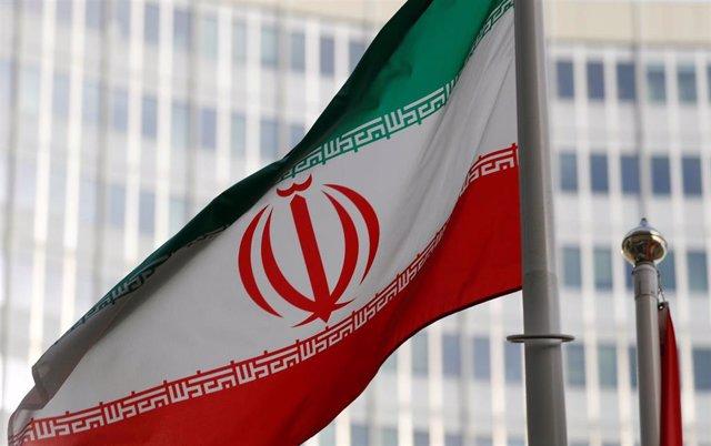 Bandera de Irán ante la sede de la AIEA