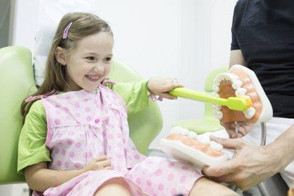 Por qué llevar a los niños al dentista al inicio del curso
