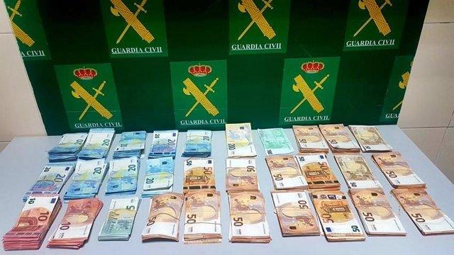 Dinero intervenido en la frontera de CAya, en Badajoz