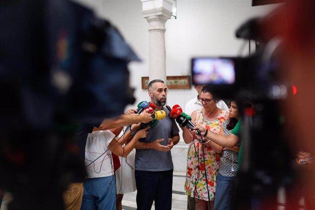 El portavozde FACUA, Rubén Sánchez, ofrece rueda de prensa tras la reunión de  FACUA con el PSOE-A. En la Sede del PSOE-A.
