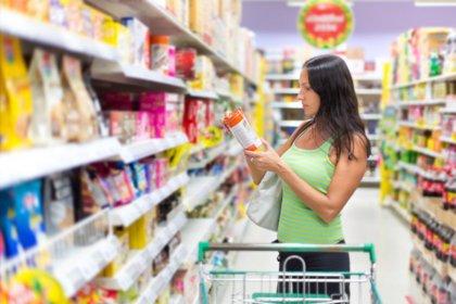 Leer las etiquetas de los alimentos, una asignatura pendiente para muchos padres