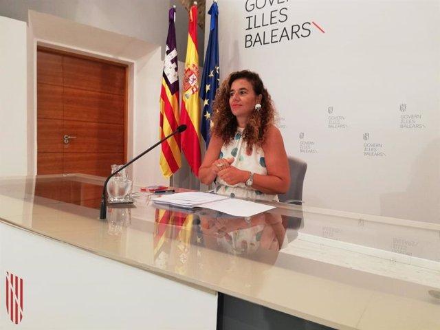 La poprtaveu del Govern, Pilar Costa, durant una roda de premsa