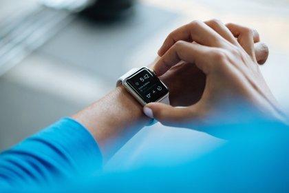 Cómo un reloj inteligente puede ayudar a detectar la fibrilación auricular cardíaca