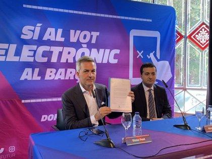 El precandidato Víctor Font quiere incluir su propuesta de voto electrónico en la Asamblea del Barça