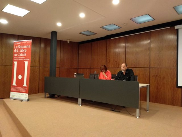 Montse Ayats (Editors.cat) i Joan Sala (Setmana del Llibre en Català)