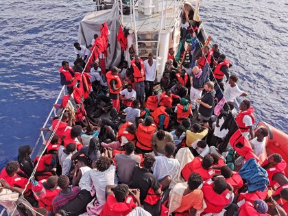 Europa.- Italia multa con 300.000 euros al capitán del barco de rescate 'Eleonore'